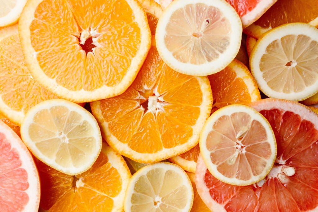 ビタミンとミネラルの摂取が花粉症対策として有効