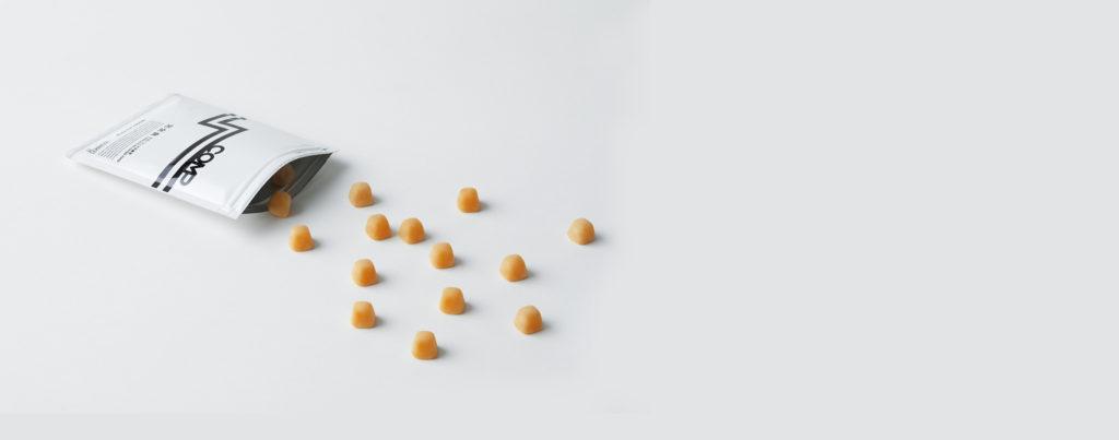 UHA味覚糖とのコラボレーション製品「COMP GUMMY」